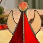 Horst Maxs Engel mit rotem Kleid